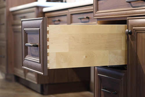 <h1>DOVETAIL DRAWER SYSTEM WITH SOFTCLOSE</h1>